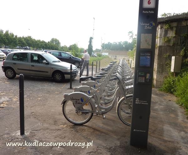 Werona. Parking i wypożyczalnia rowerów.